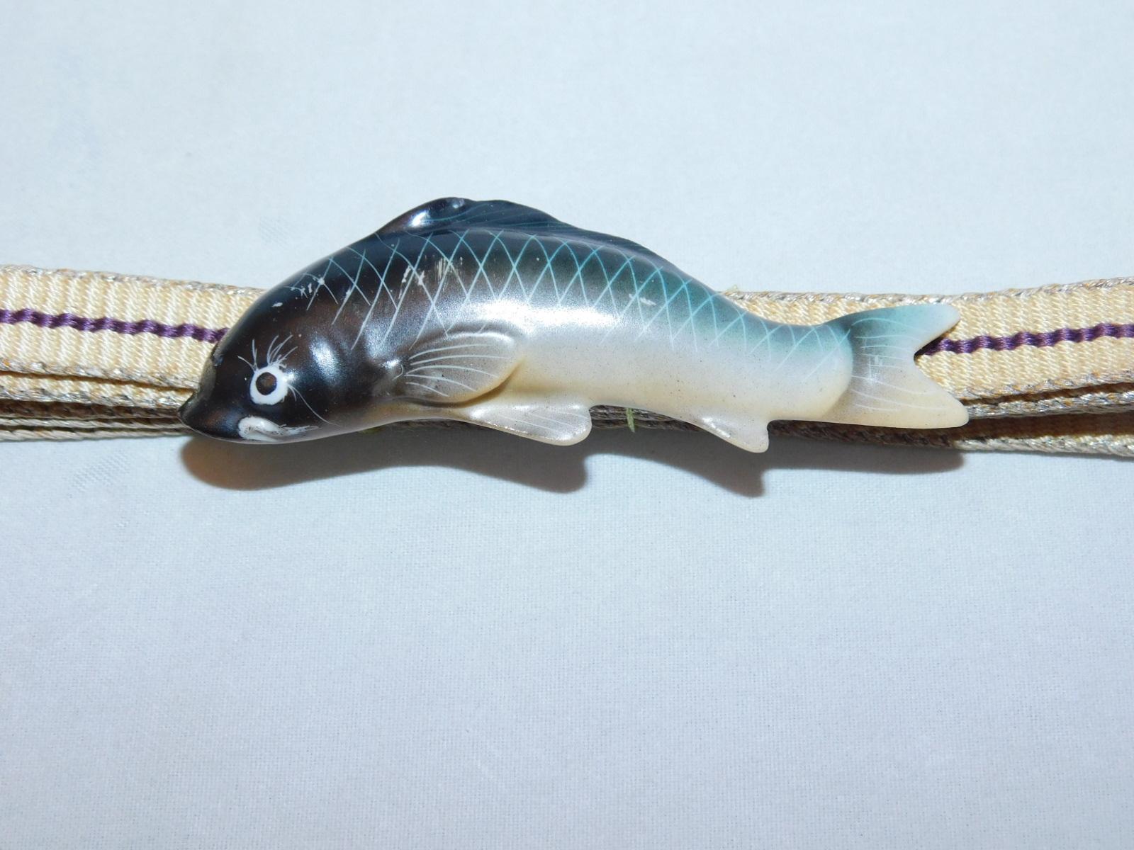 陶磁器鯉帯留 porcelain obi sash clip(sweetfish)