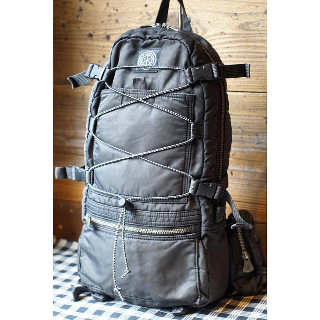 SUPER NYLON DAY PACK