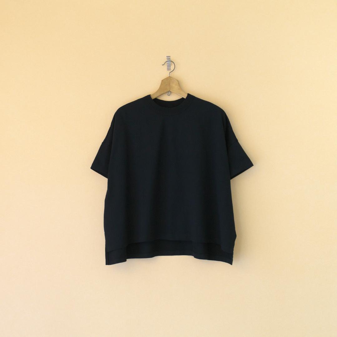 TRAVAIL MANUEL トラバイユマニュアル クラシック天竺スリットTシャツ・ブラック