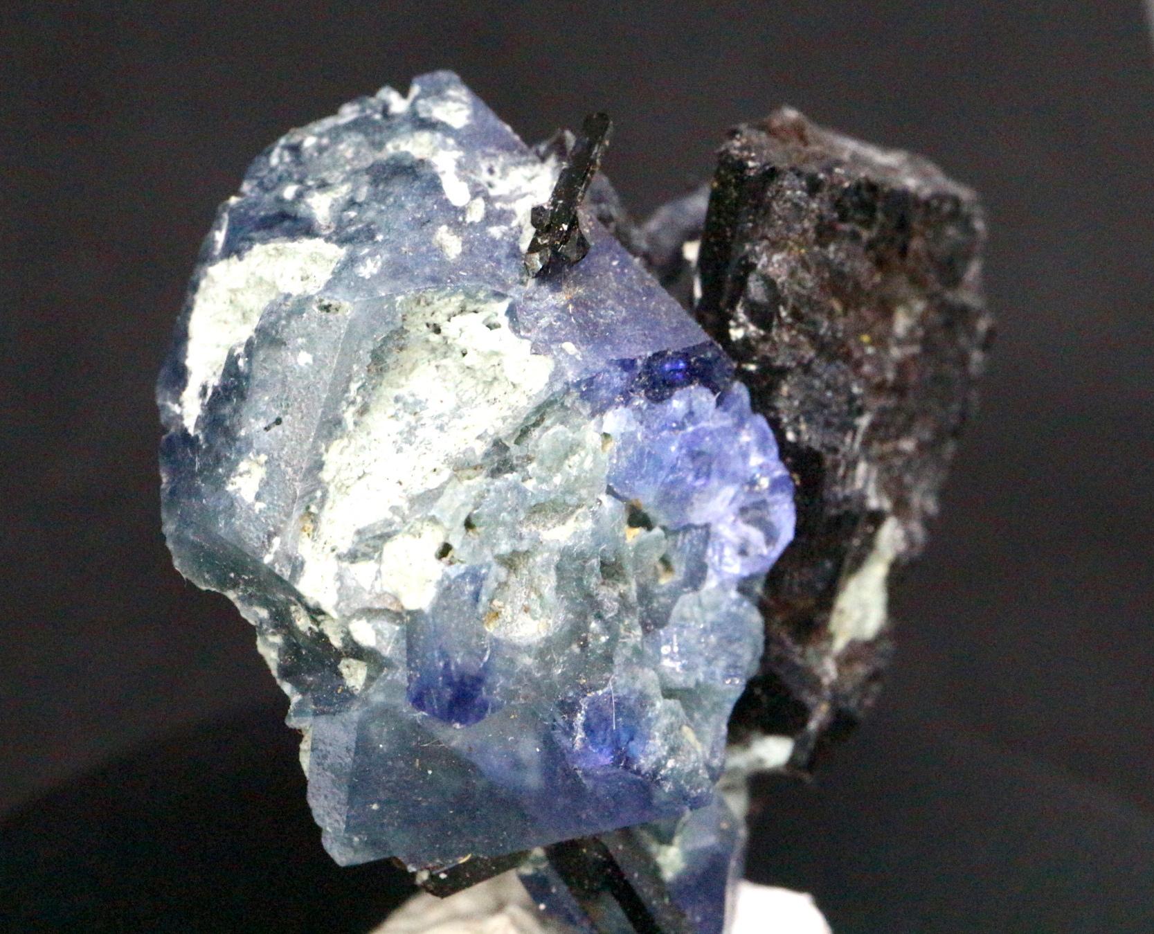 ベニトアイト ネプチュナイト 原石 ベニト石 4,6g BN031