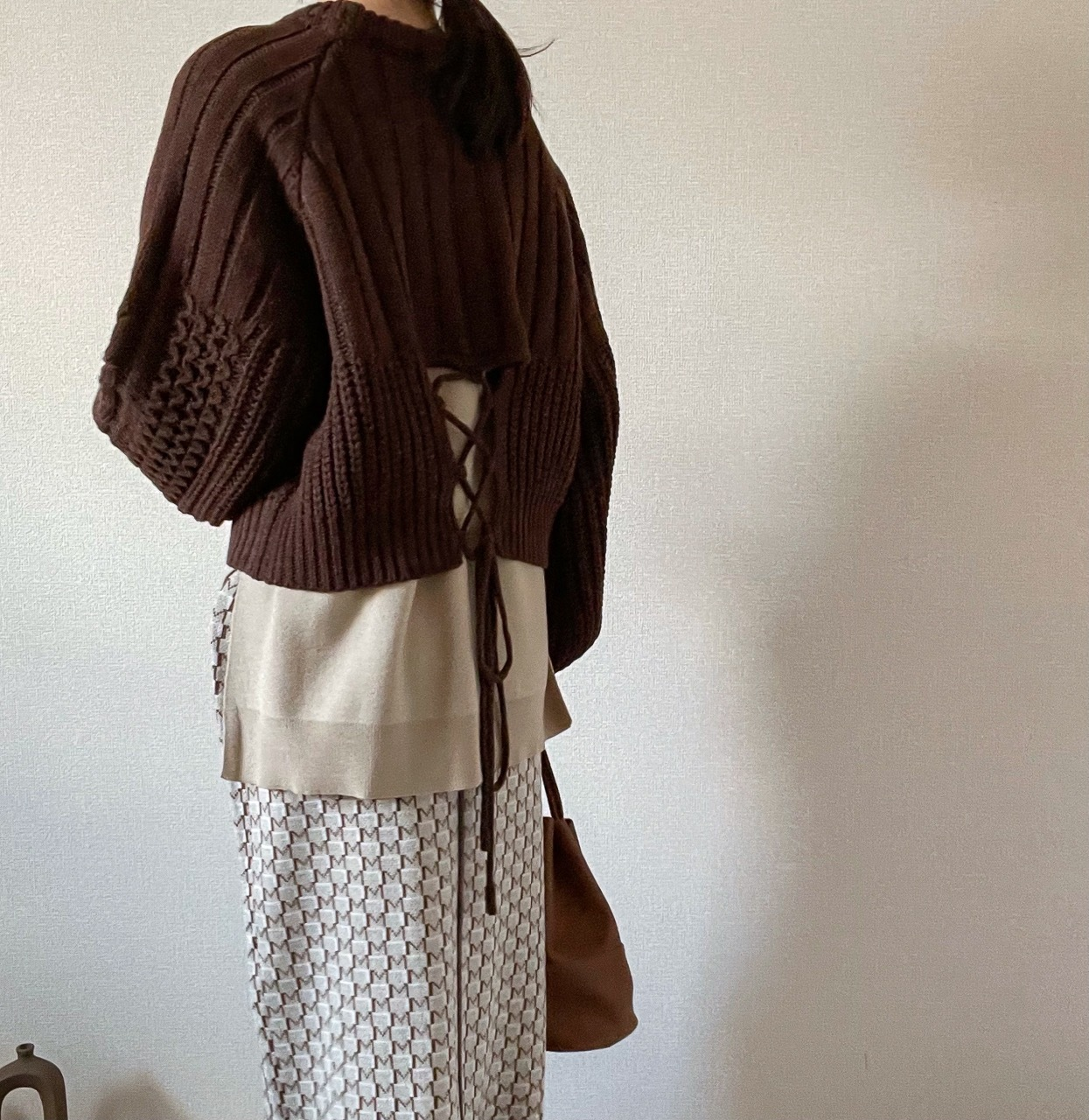 【brown】back open Knit