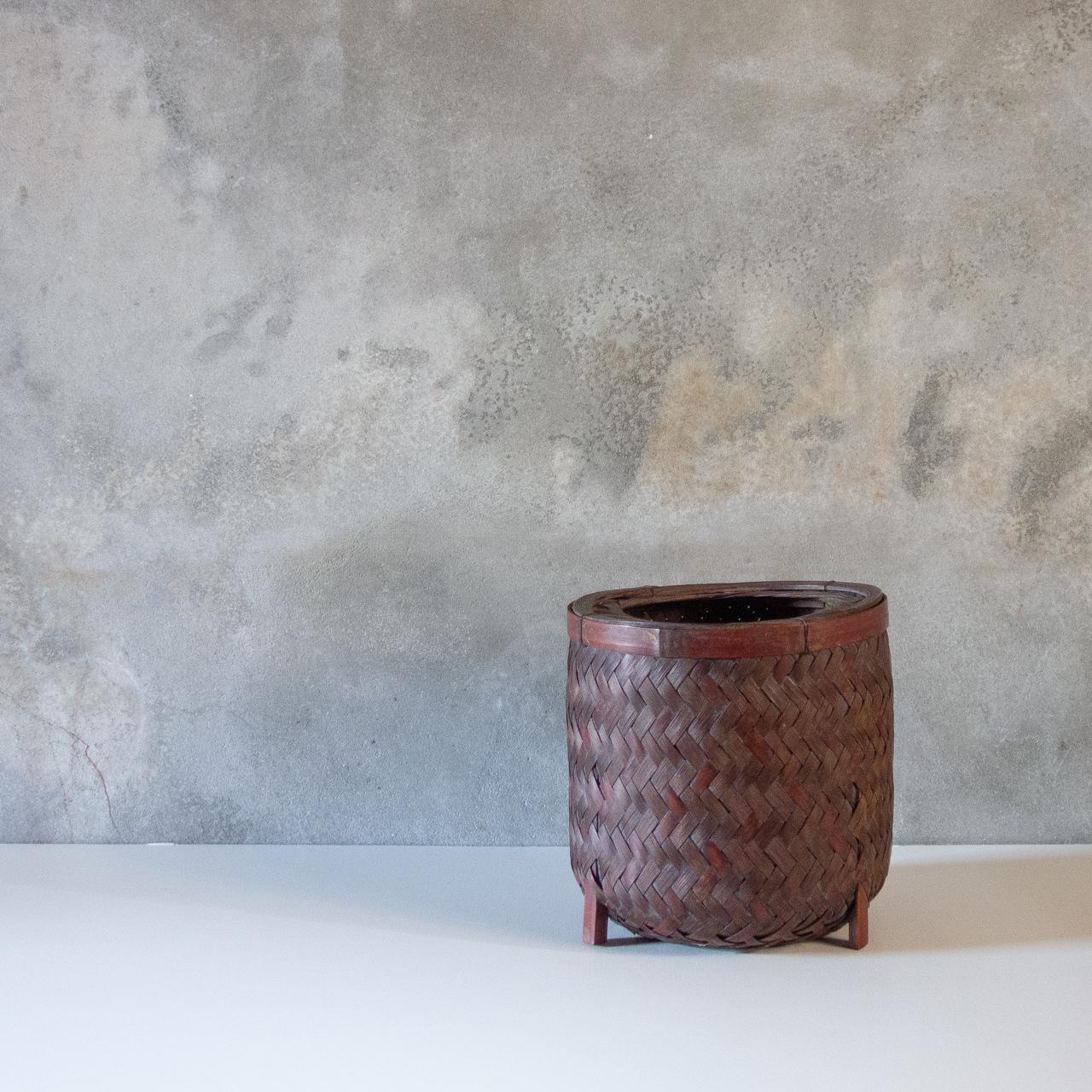丸型の竹編ゴミ箱
