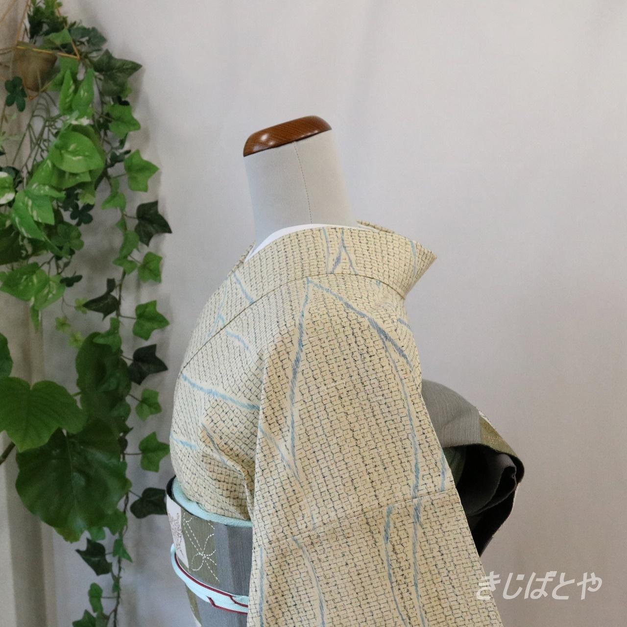 正絹紬 練色に波の小紋 単衣
