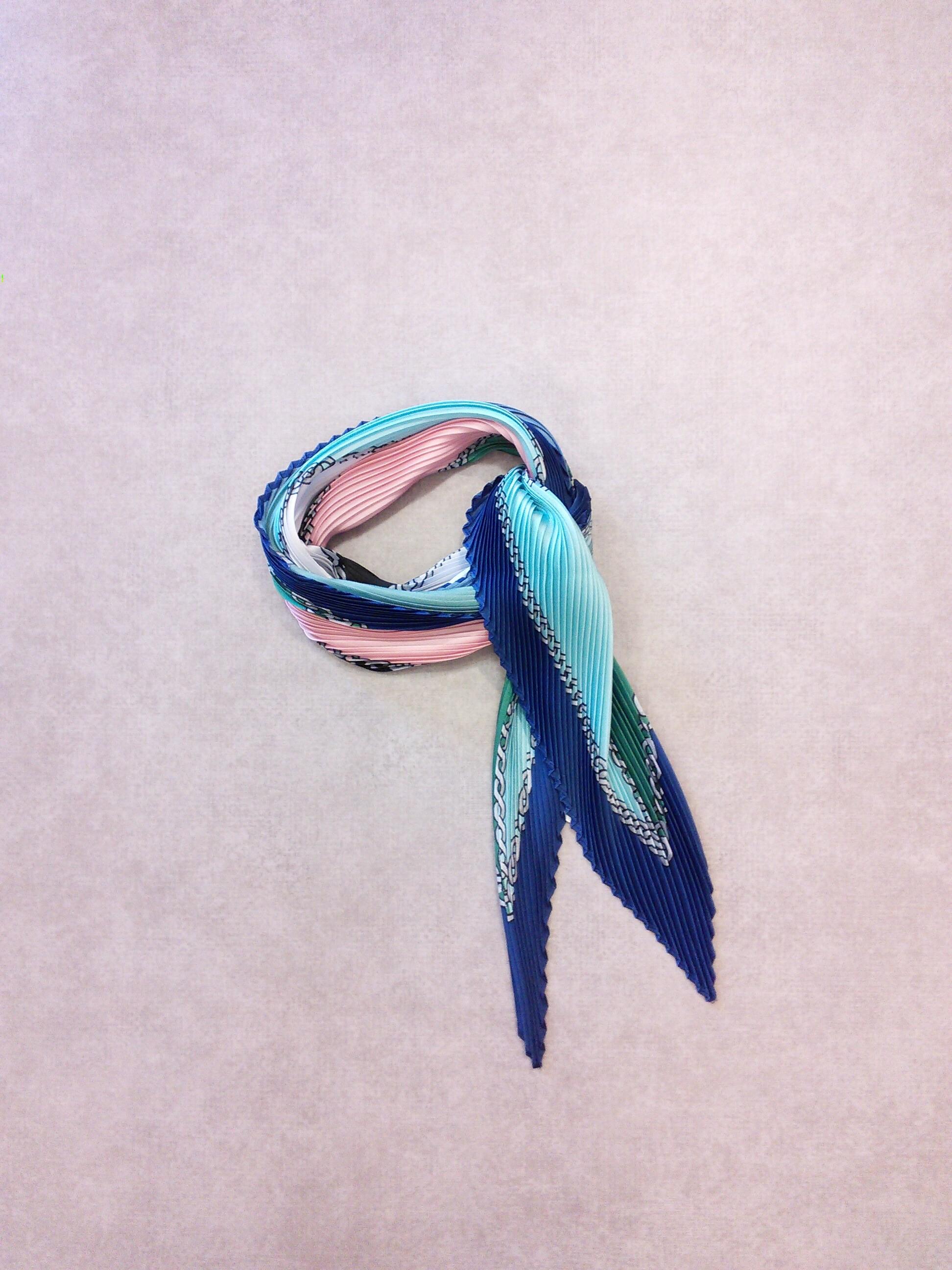 20113   プリーツスカーフ