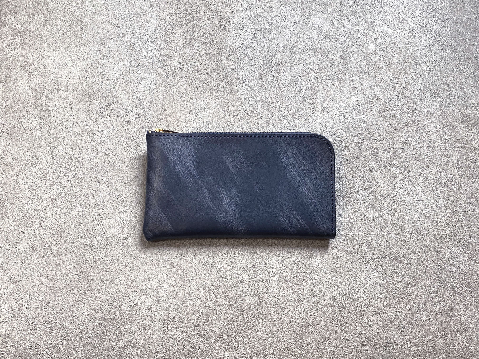"""SHOZO Wallet (vegetable tanned and waxed leather) : Navy * Won Grand Prix of the small leather article category in """"Asia Pacific Leather Fair 2019"""""""