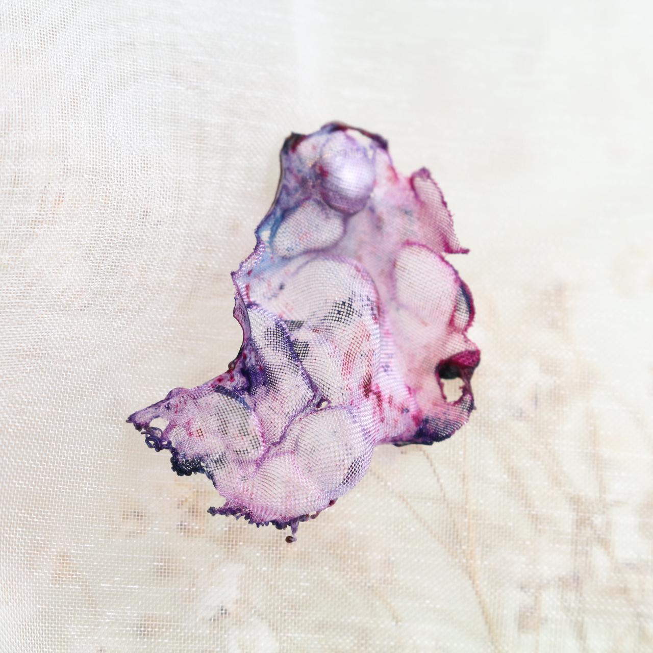 桜舞う|染めオーガンジーの片耳アートピアス