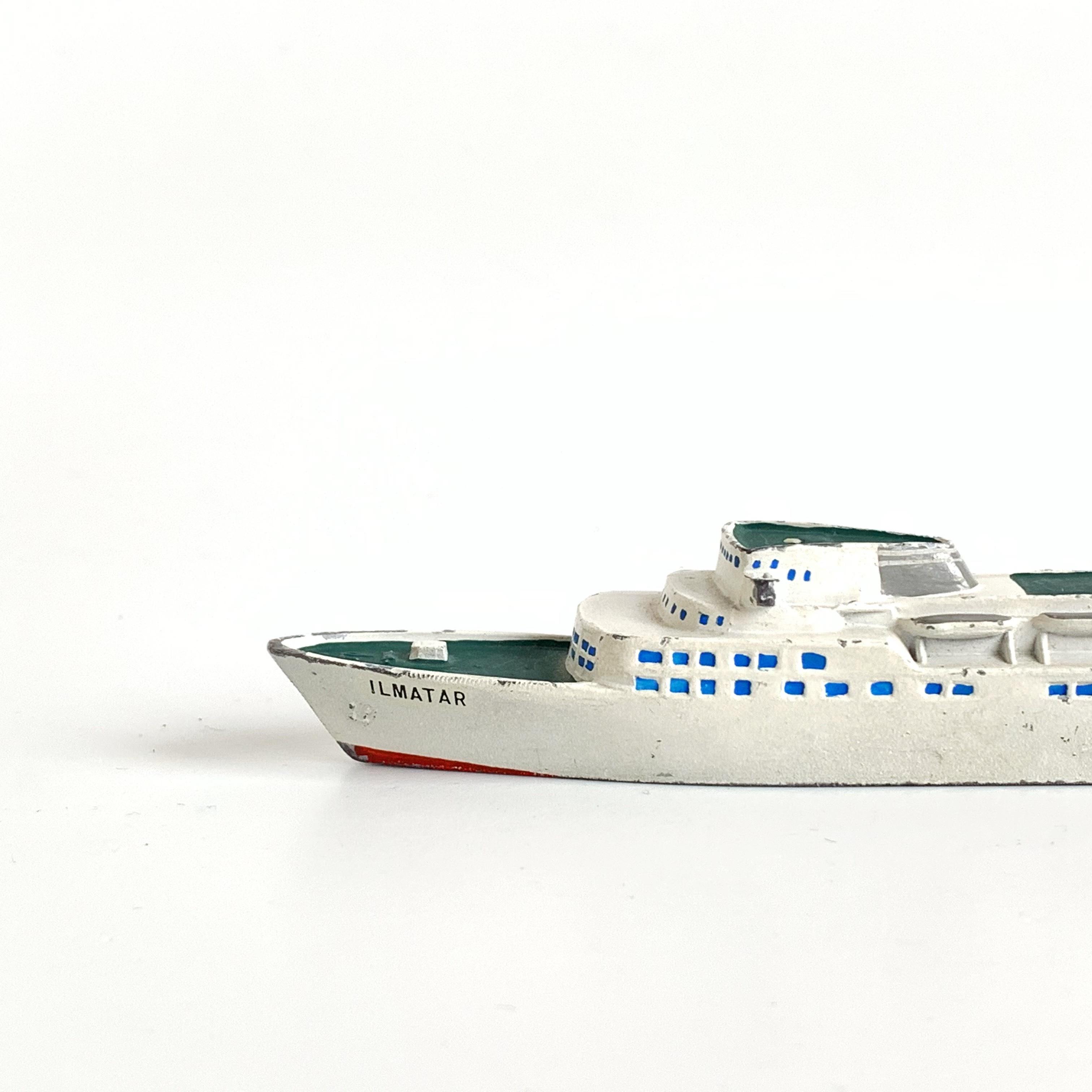 """Ilmatar"" Metal Small Ship"
