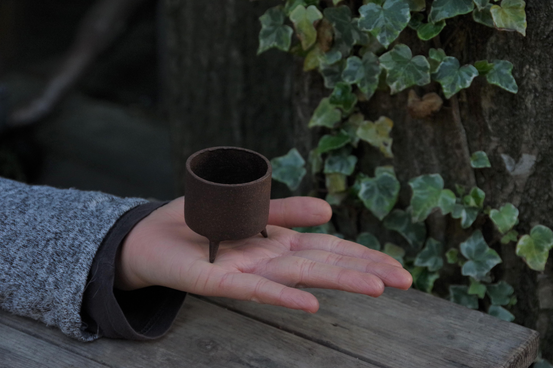 鉄製三つ足鉢 小【大貫 タツヤ】