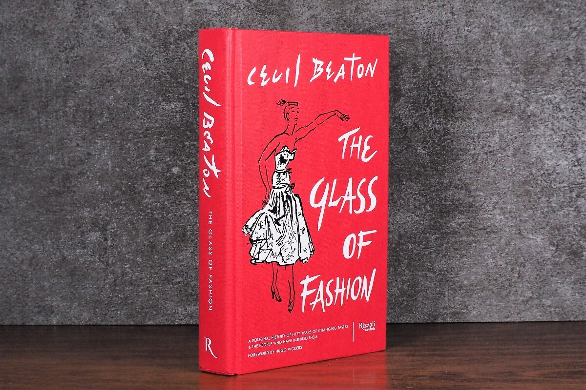 【CM352】The Glass of Fashion: A Personal History of Fifty Years of Changing Tastes and the People Who Have Inspired Them / display book