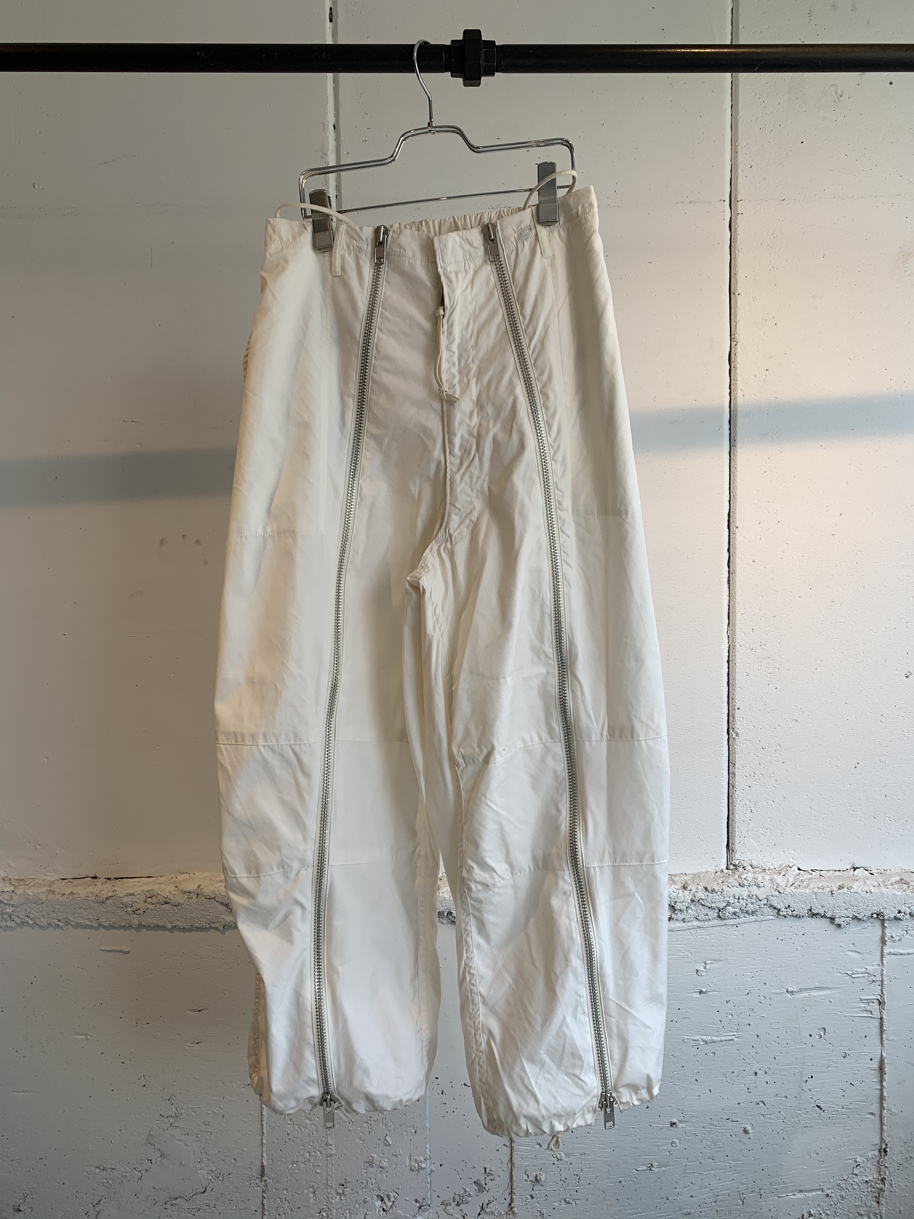 77circa circa make front zip snowcamoflage pants (White)