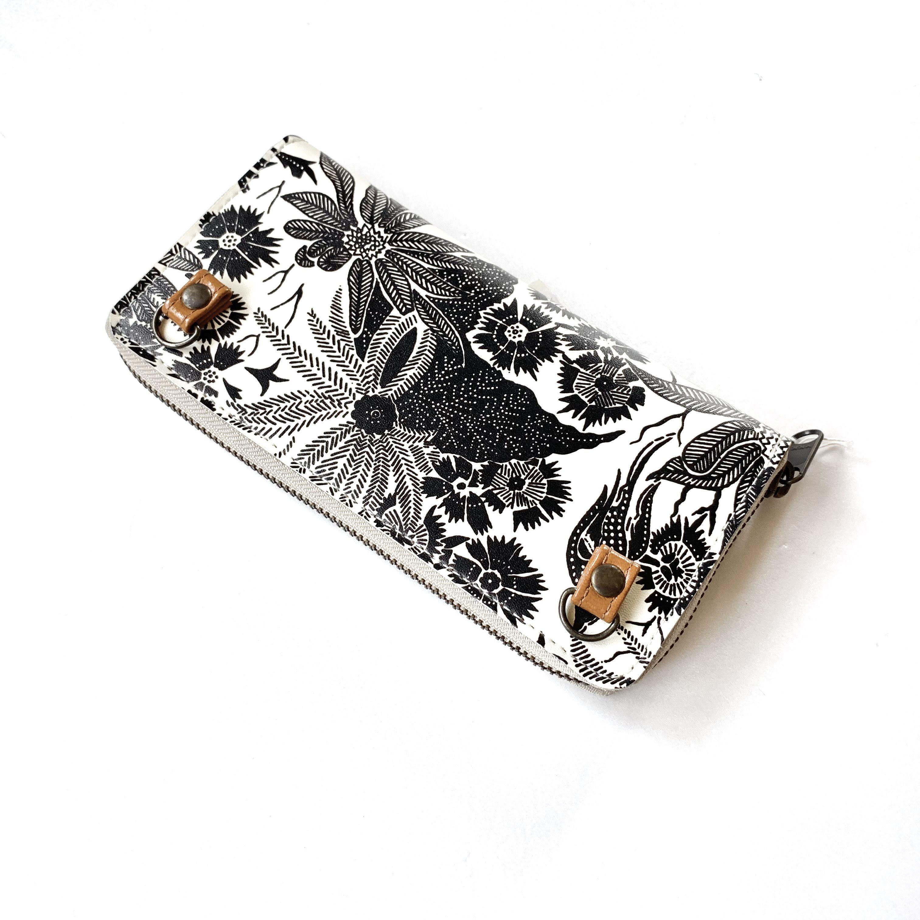 【ハシモト産業 x pink india】欧デザイン ストラップホルダー付牛革ラウンド財布 | paradise black