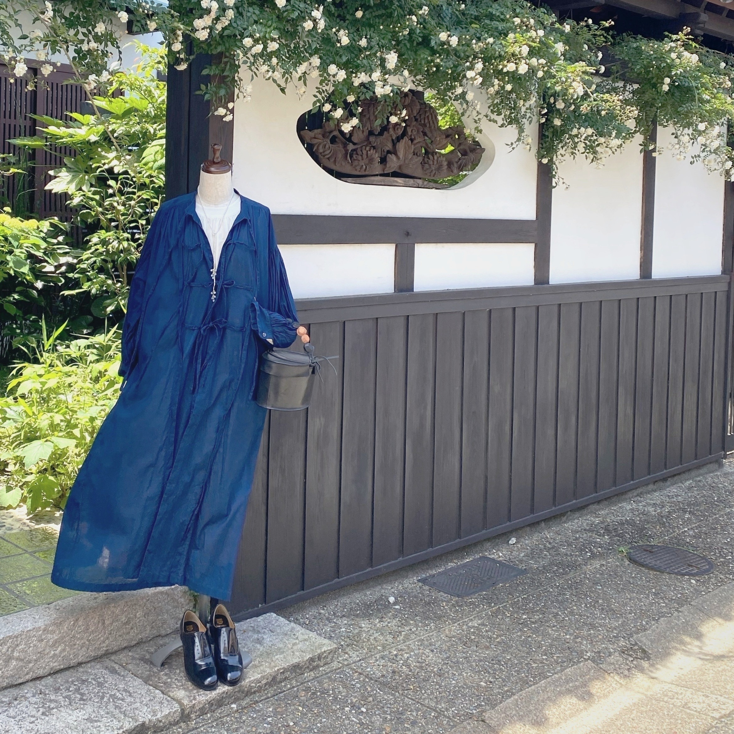 the last flower of the afternoon/ 紺青のsmock dress/indigo