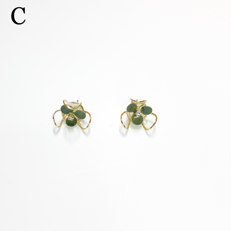 clear flower M/グリーンピアス・イヤリング