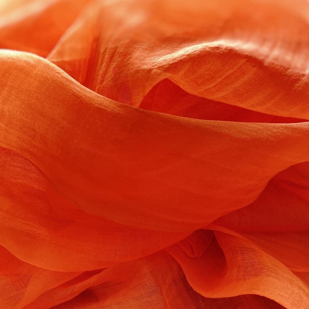 オレンジ  繊細な麻(ラミー)を使った柔らかな風合いのストール