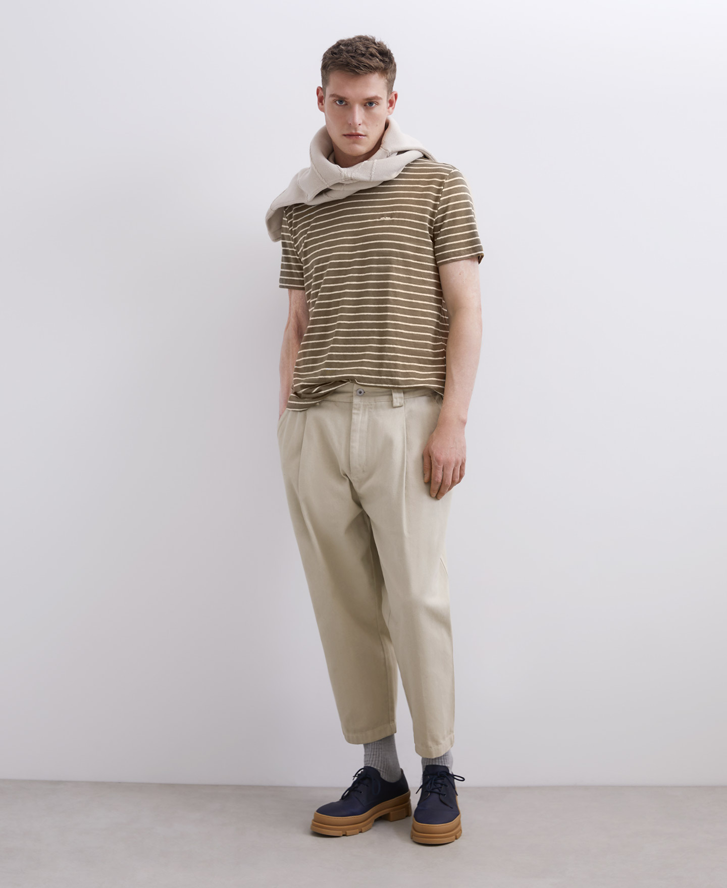 CARROT FIT CHINO TROUSERS [168031720202]