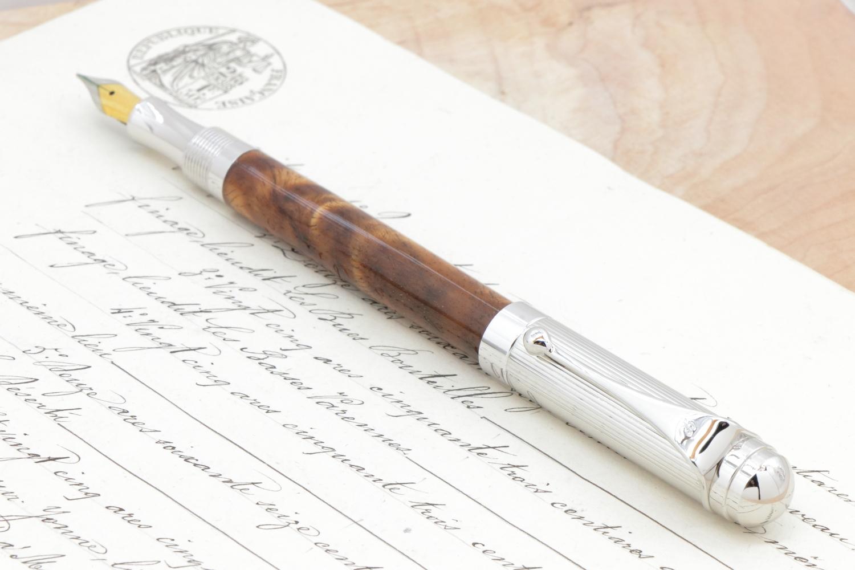 受注制作「イオニア万年筆 神が宿る木 ハワイアンコア カーリー 」希少木の手作り万年筆♫ ヴィリディタス