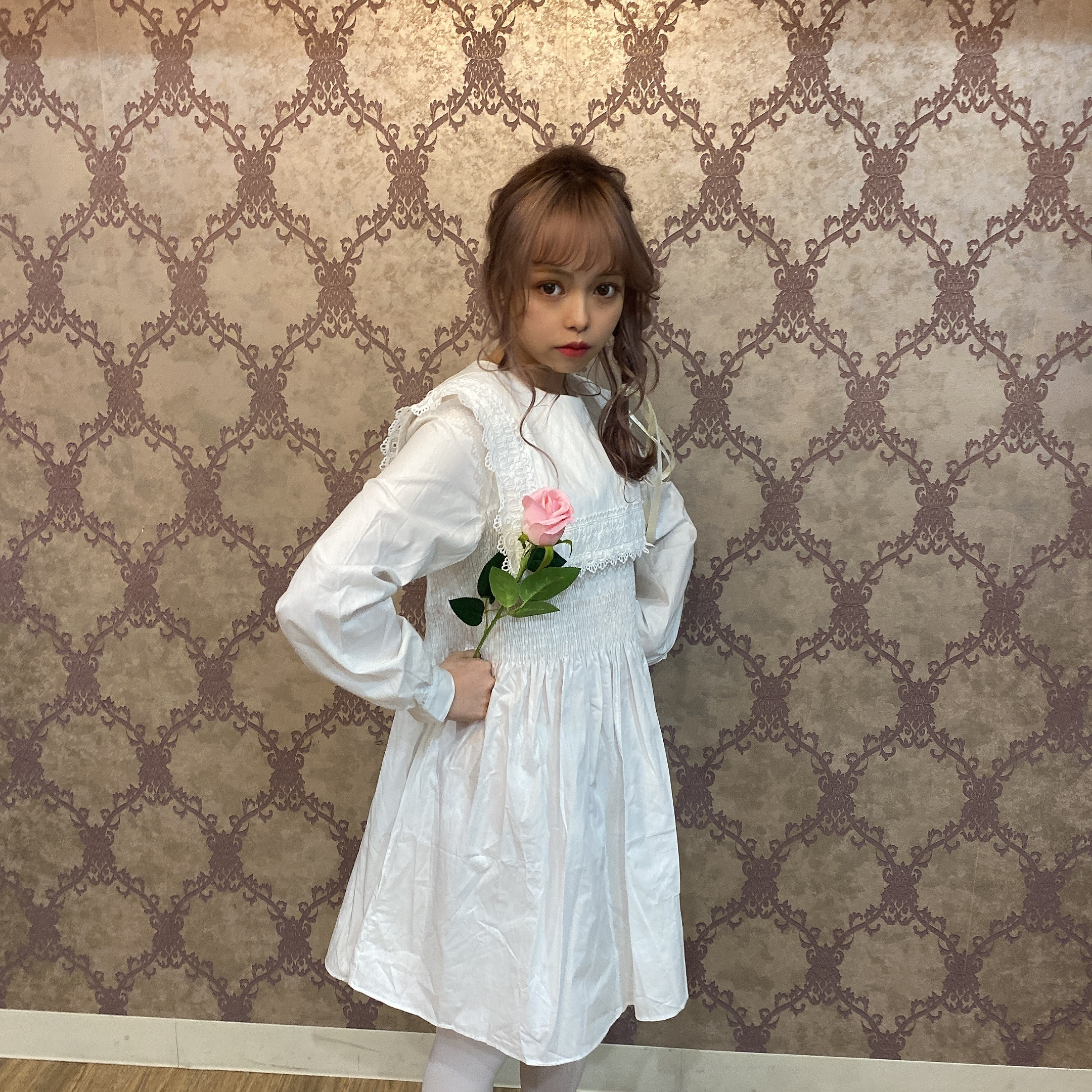 square lace onepiece