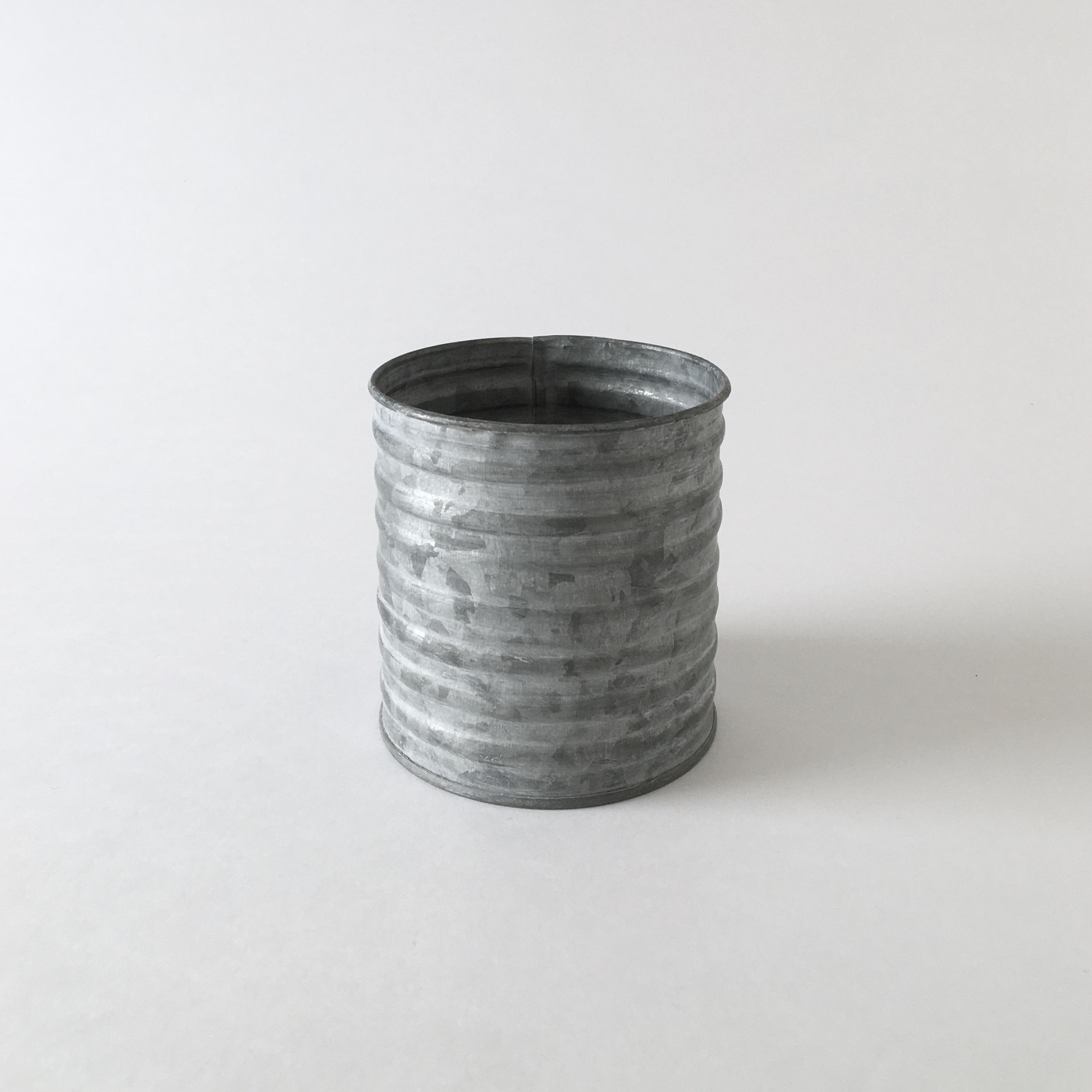 ブリキのポット 波型 S Tinplate Pot Wave Shape S