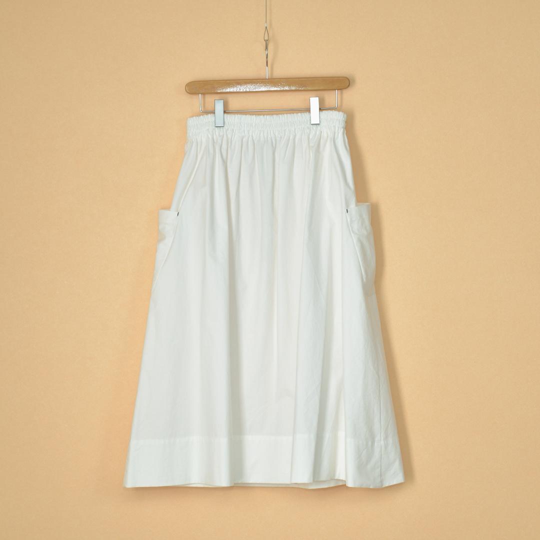 atelier naruse アトリエナルセ コットンパッチポケットスカート・オフホワイト