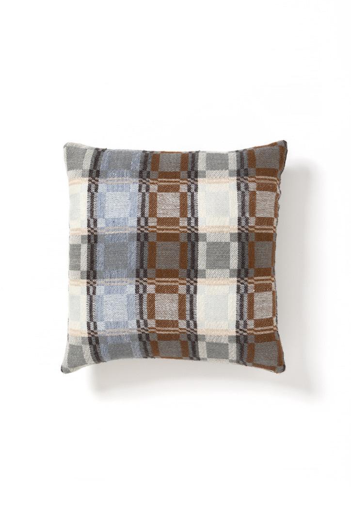 Aya Textile / オストヨータドレル 手織りのクッションカバー グレー・ブラウン・ライトブルー