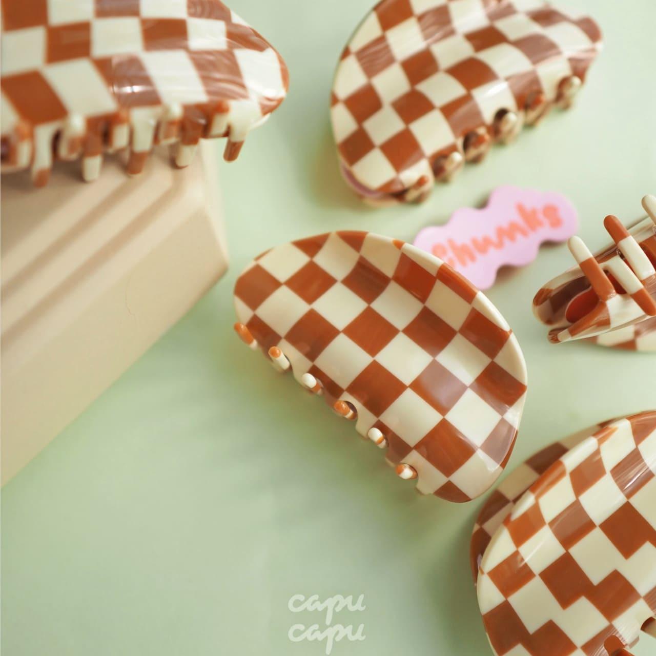 «即納» Chunks Checker Claw Caramel / White チャンクス バンスクリップ・ヘアピン