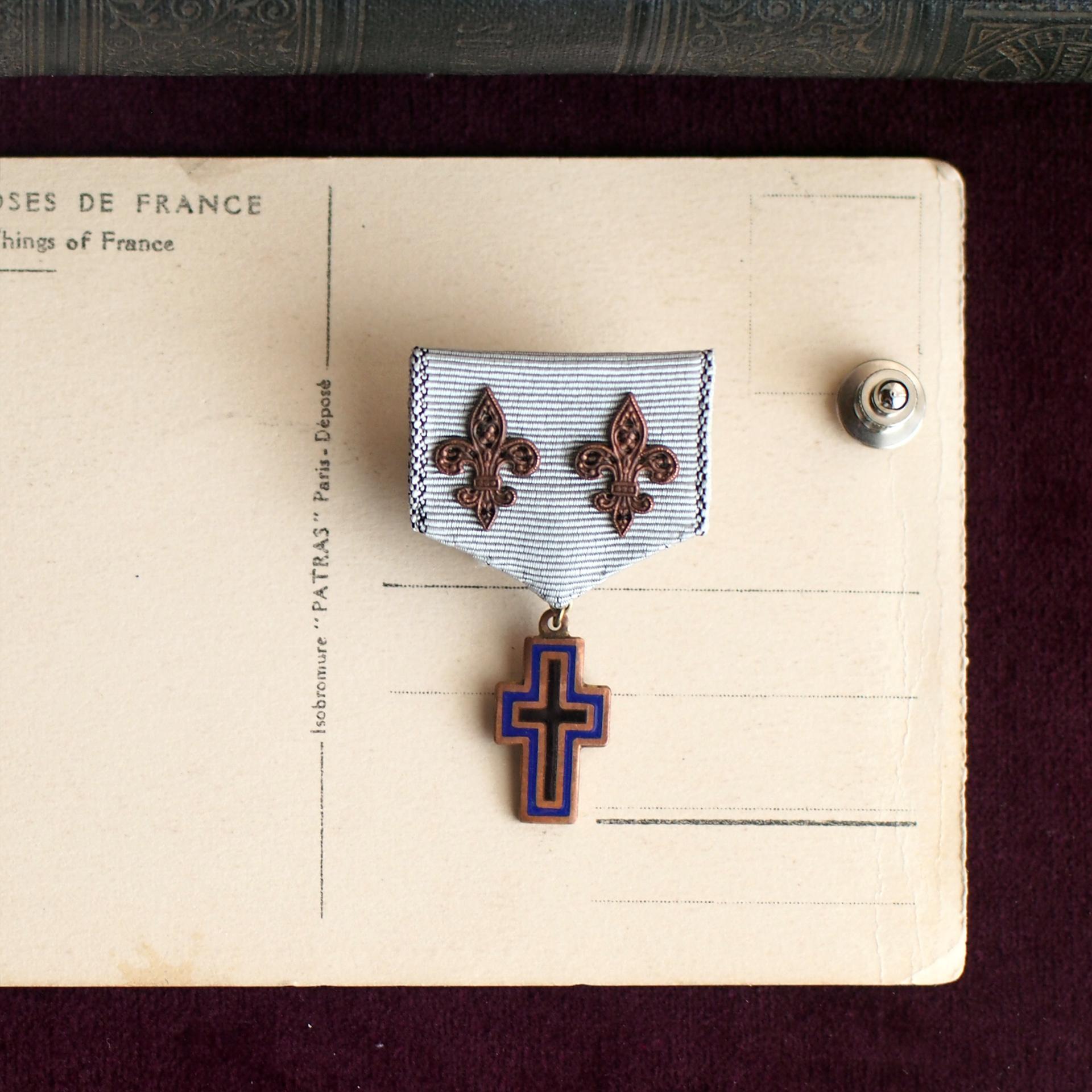 ユリの勲章 / ラペルピン(W Bronze&Cross)