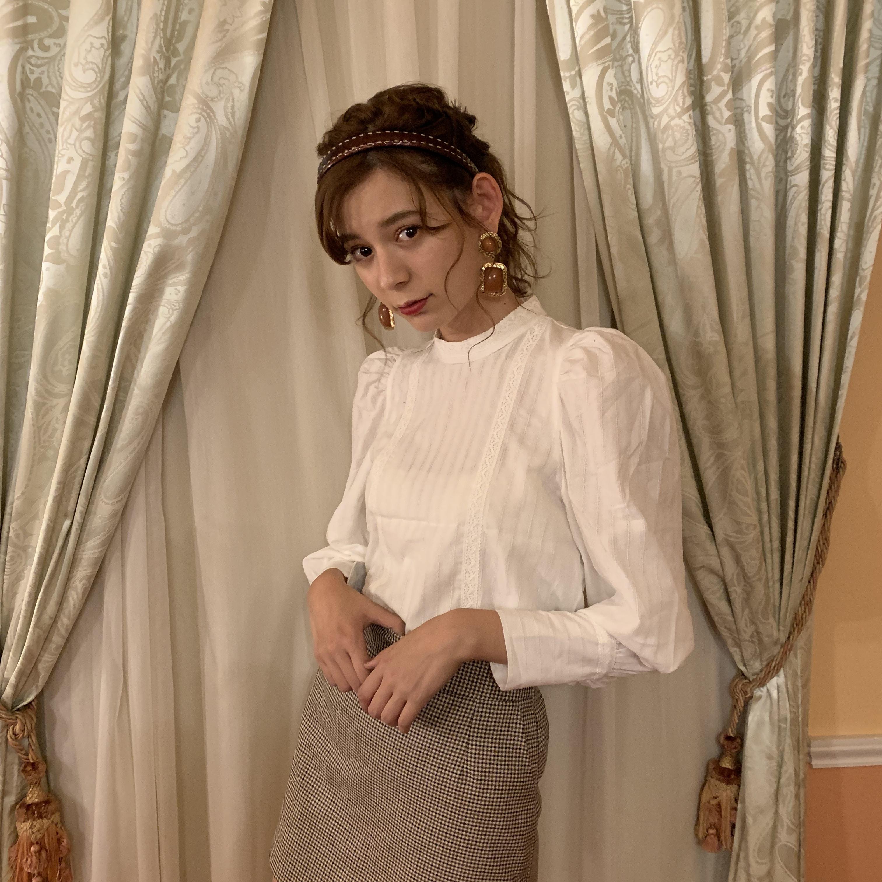 puff shoulder blouse