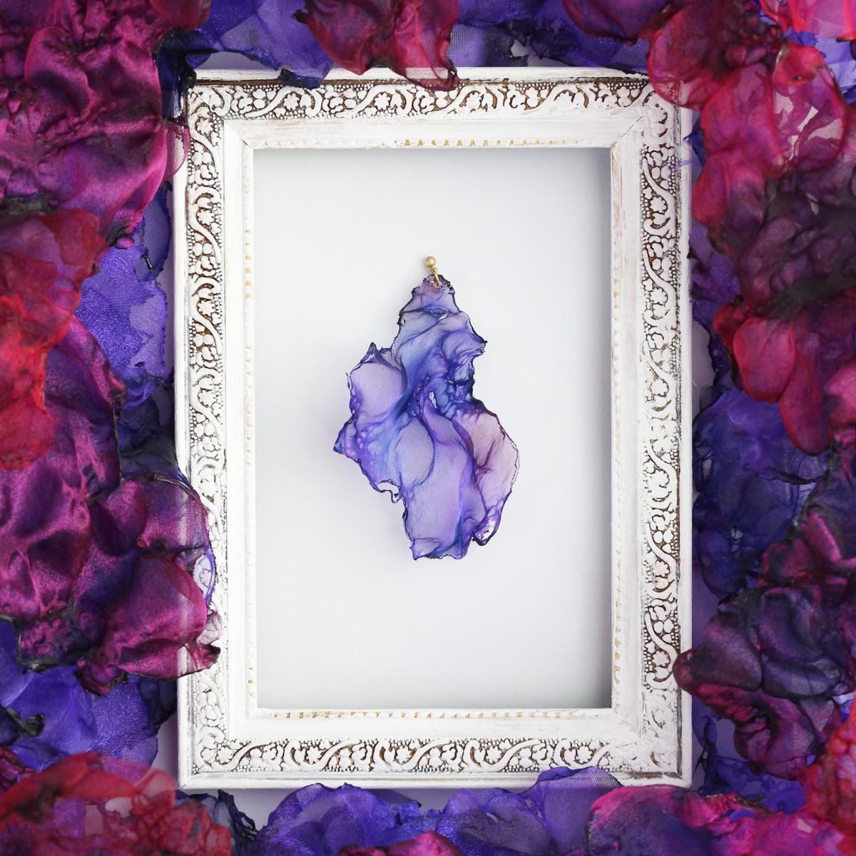 濃紫の炎 |オーガンジーのゆれるアートピアス
