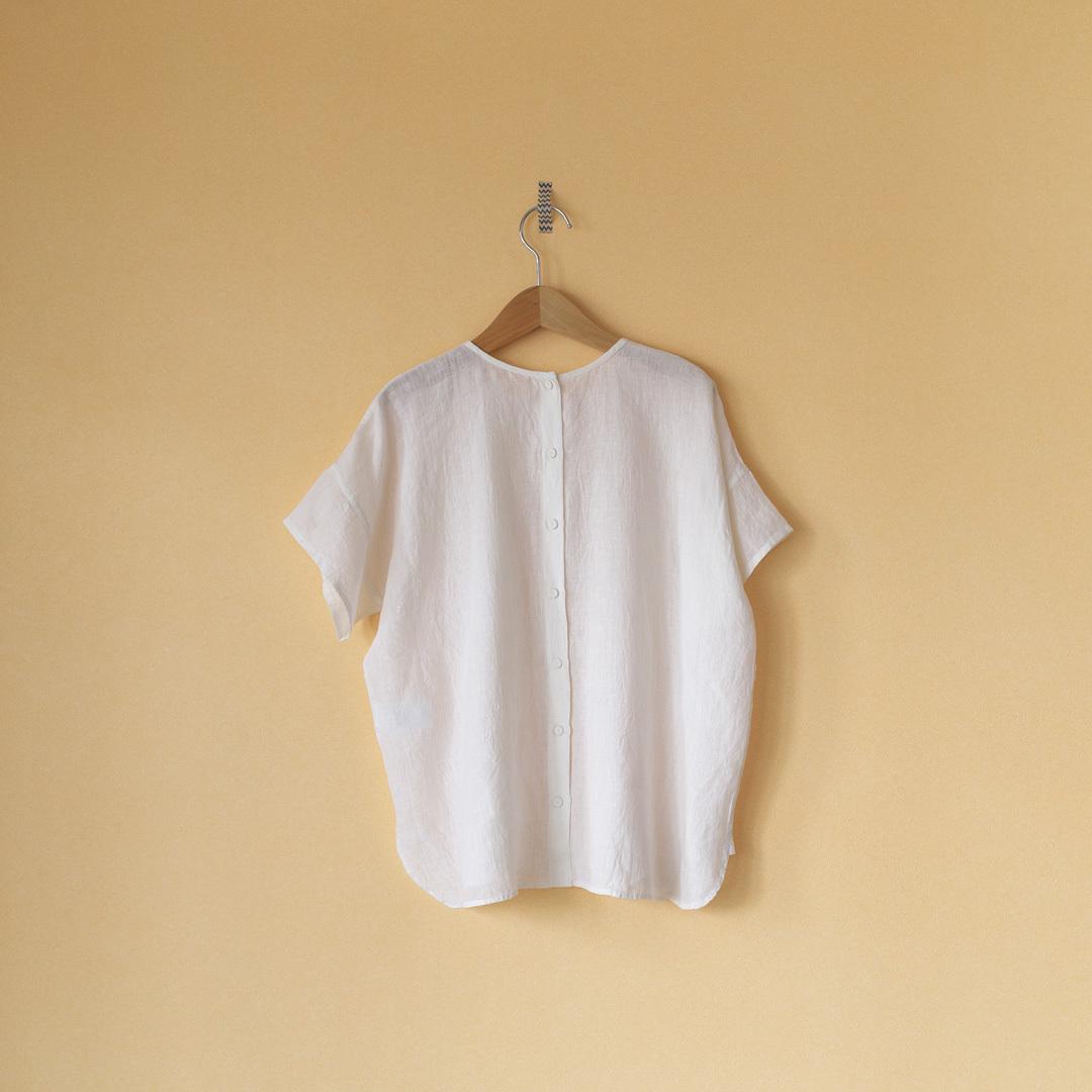 maison de soil メゾンドソイル back poening crew neck EMB shirt バックオープニング・クルーネック刺繍シャツ・ホワイト