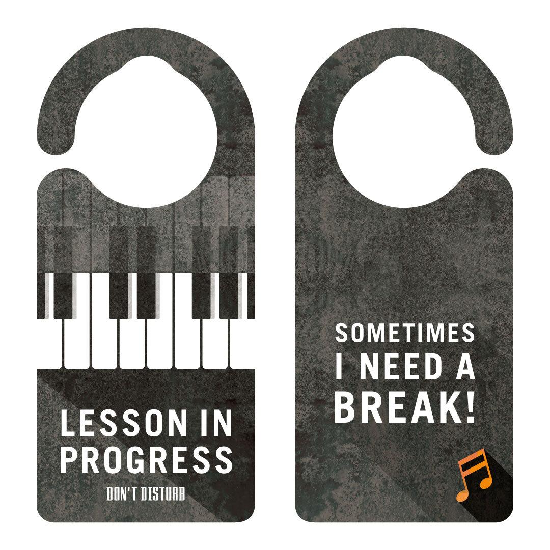 【新形状】LESSON IN PROGRESS 練習中 ピアノ[1131] 【全国送料無料】 ドアサイン ドアノブプレート