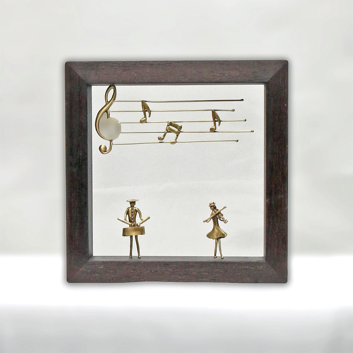 ウッド&フレーム(W17) 「太鼓をたたく男とバイオリンを弾く女」20X20X4 cm