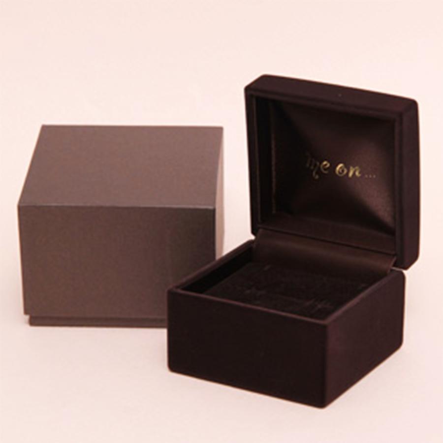 ★送料無料★【me on...】◆K10ホワイトゴールド◆ダイヤモンド バタフライネックレス(専用ケース付属)