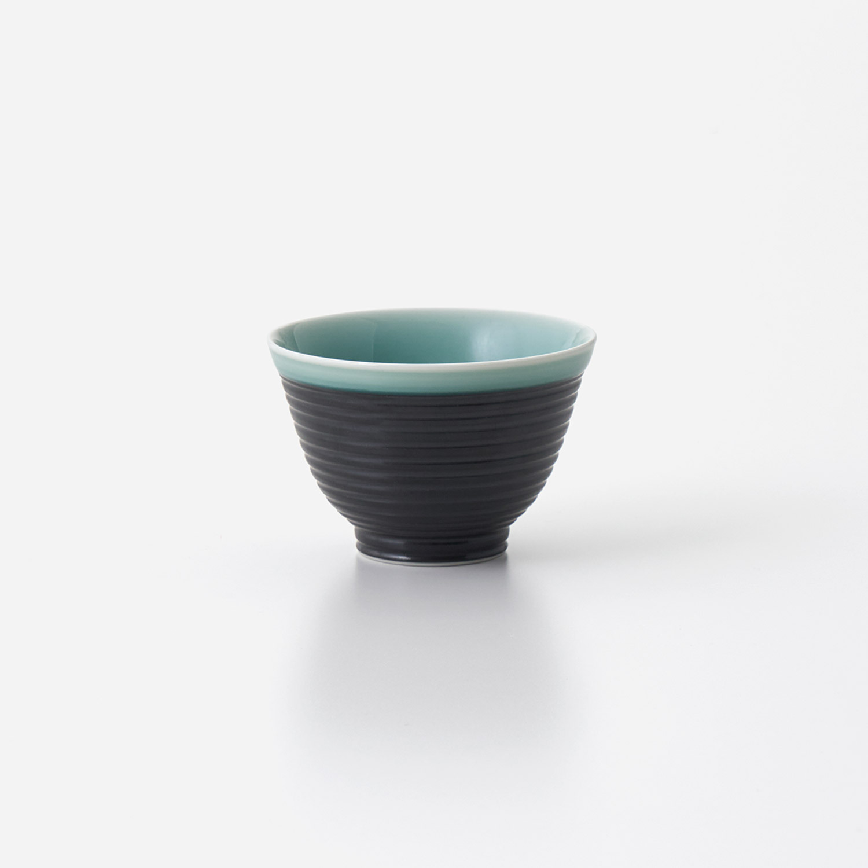 No.135 青磁黒彩 煎茶碗 (小)