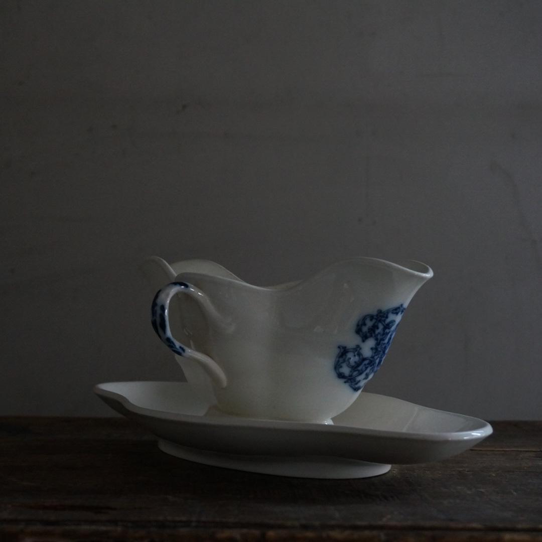 古いイギリスの陶器ソーシエール