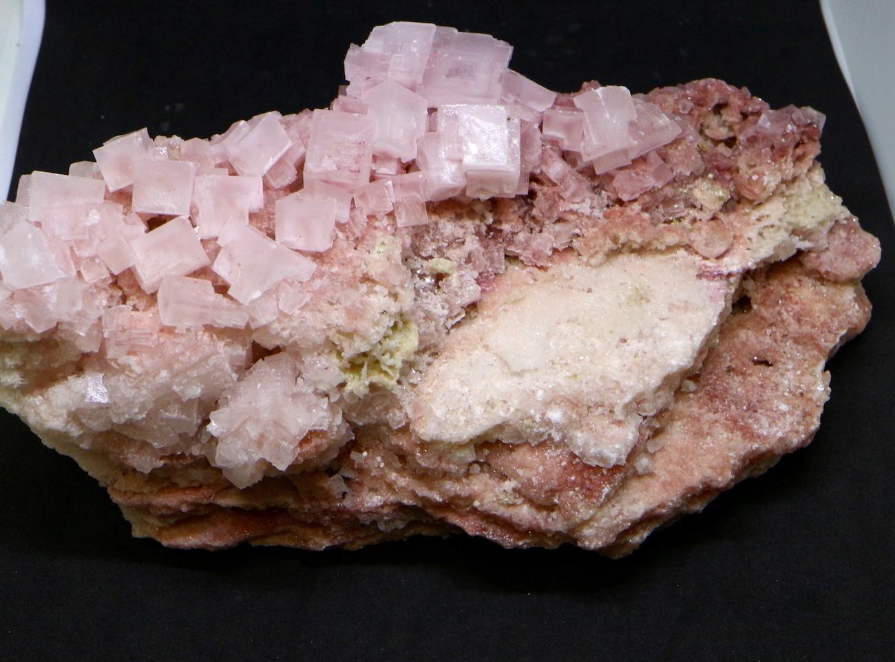 大きい!ピンクハーライト カリフォルニア産 634g 岩塩 PH0579