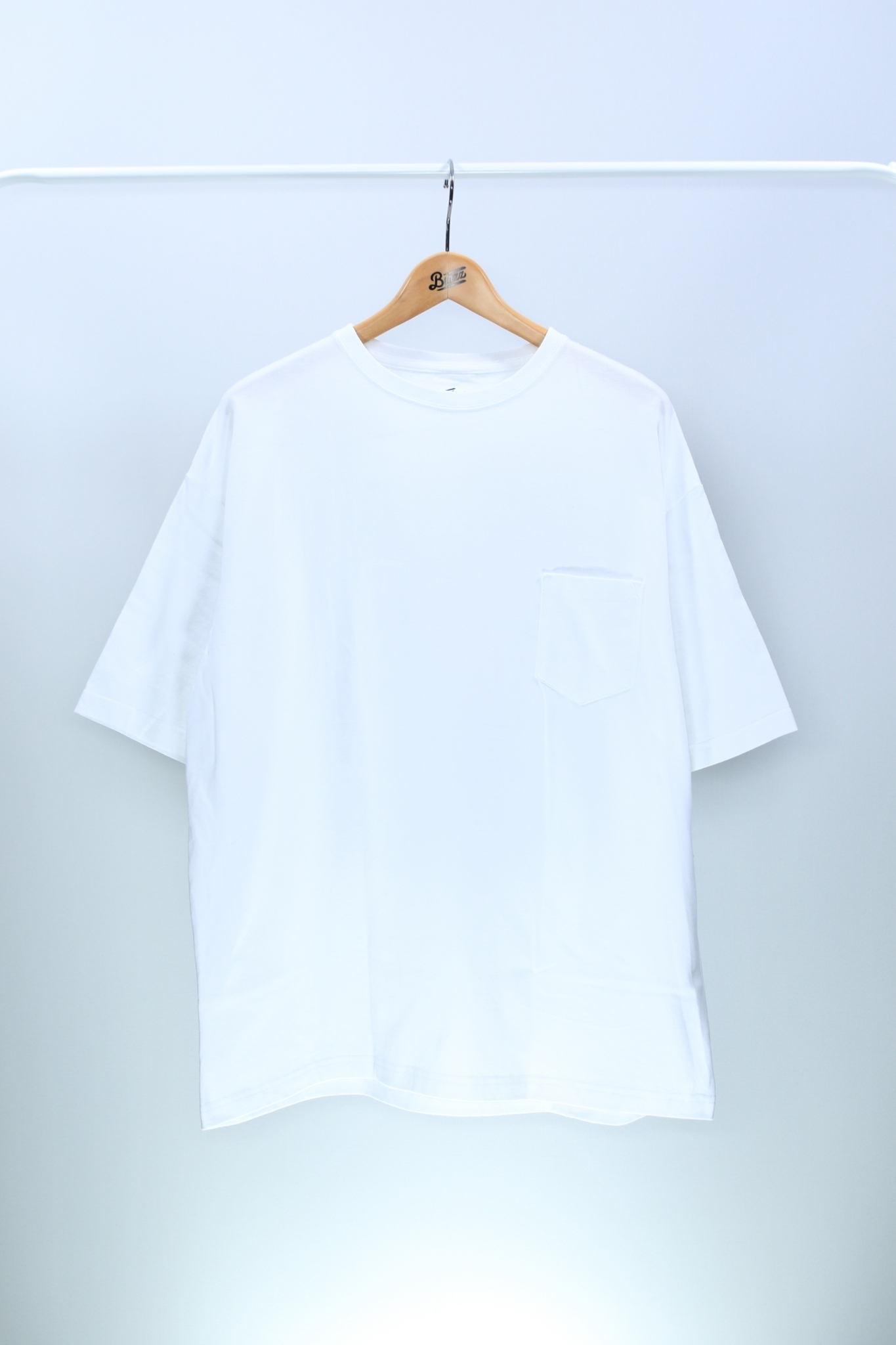 ATOMONE` BIG silhouette Pocket Tee [WHITE]