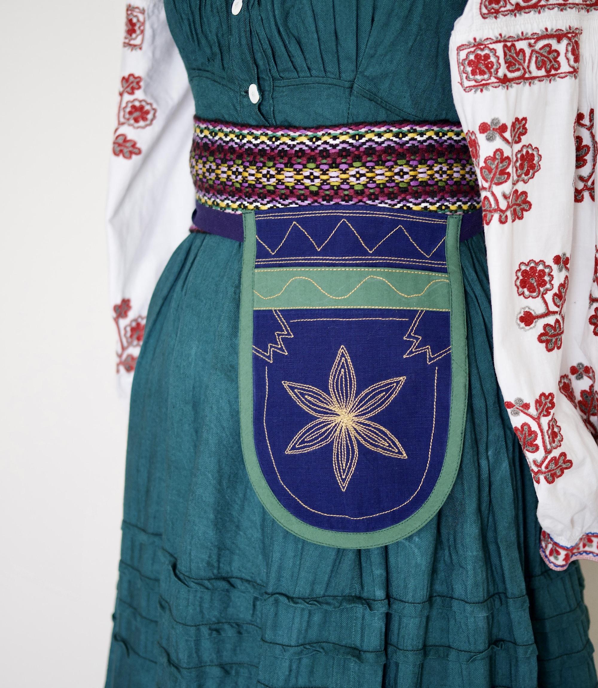 ウクライナ民族衣装のポシェット