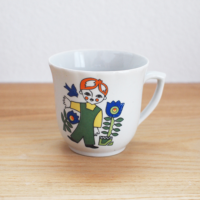 【ロシア】 男の子のカップ ( 旧ソ連)