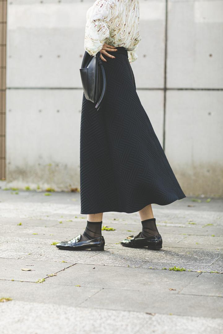 サーキュラーキルトスカート < ブラック >