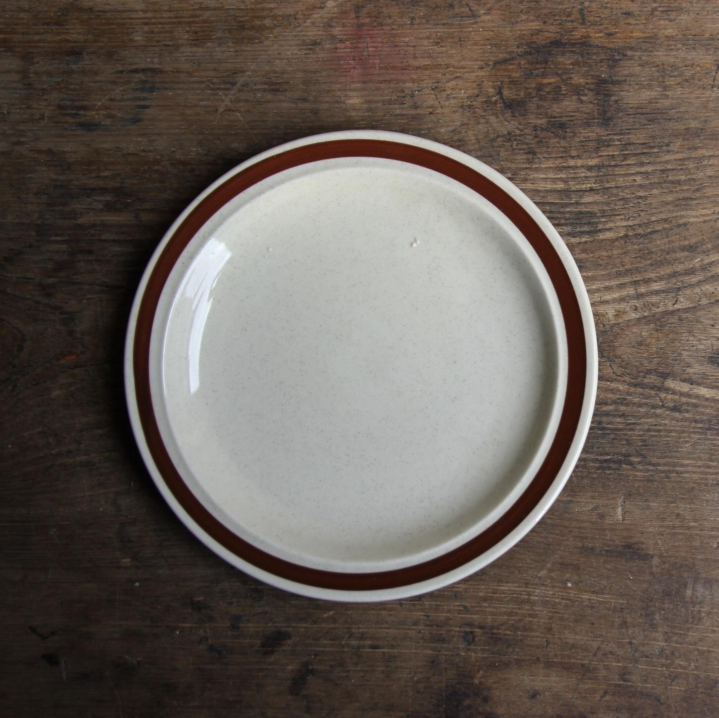 NORTHLAND 梨地のストーンウェア小皿 在庫3枚
