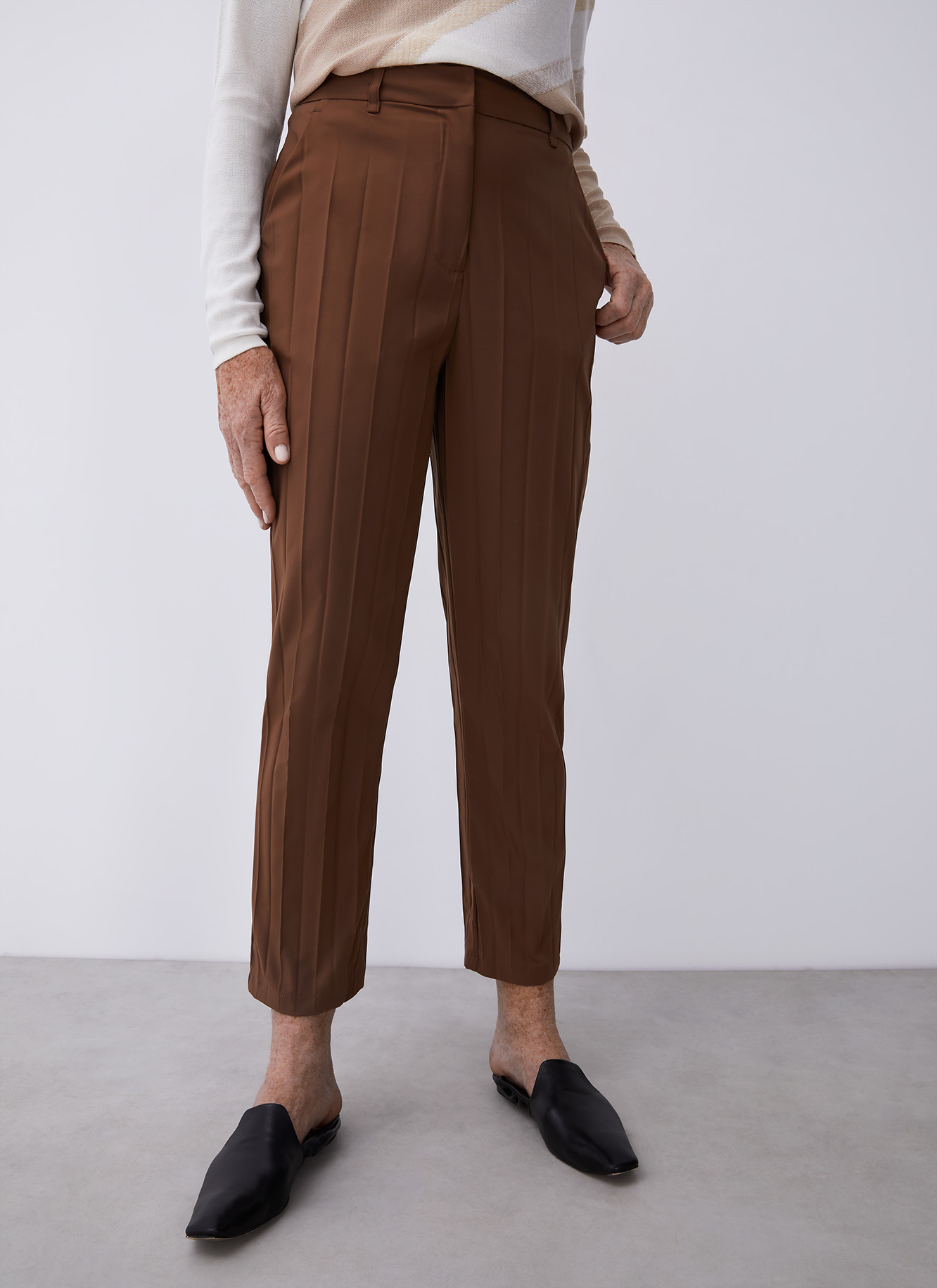 PLEATED ANKLE LENGTH TROUSERS