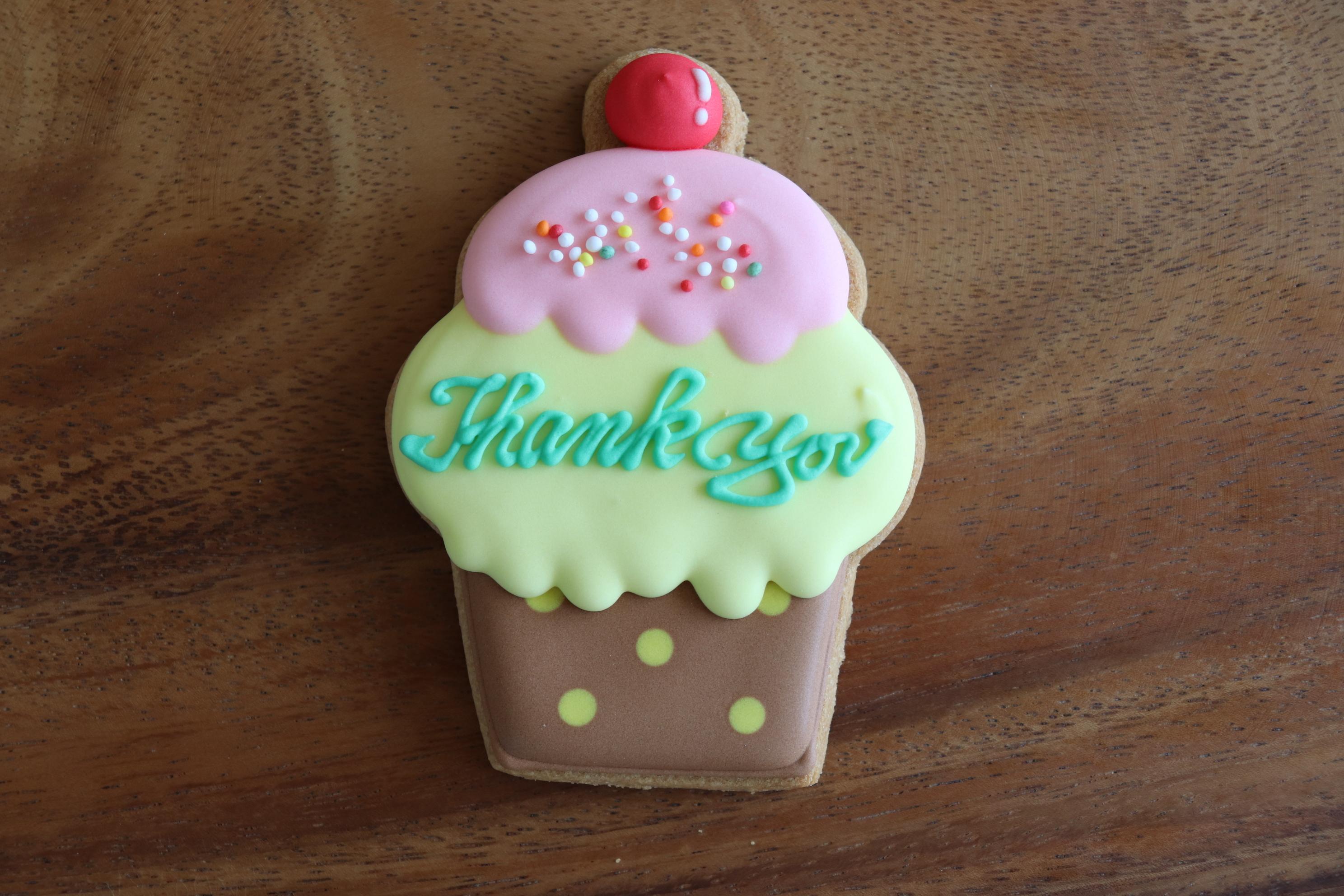 カップケーキ Thank you ドット