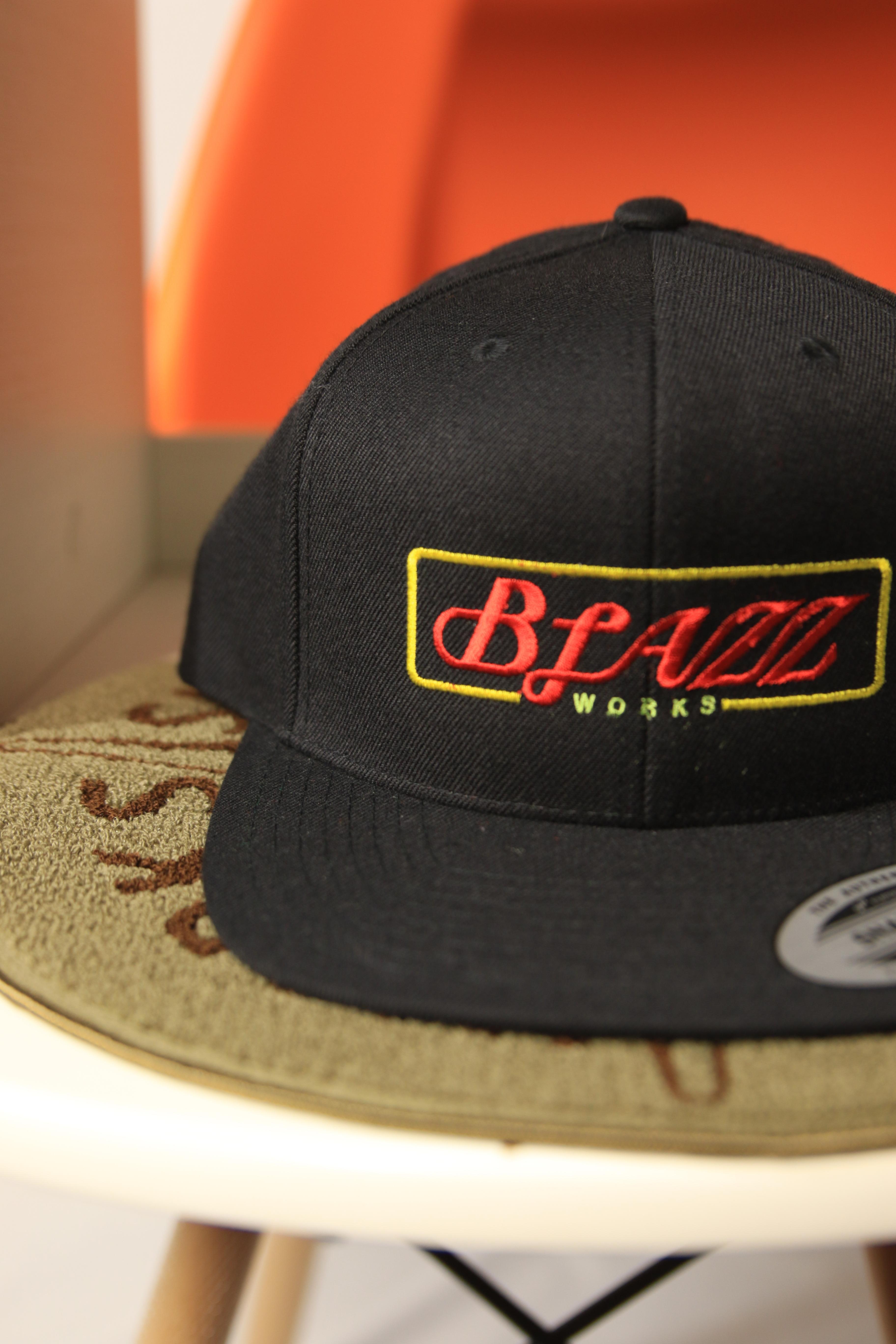 Neon sign B.B CAP [CHICAGO]