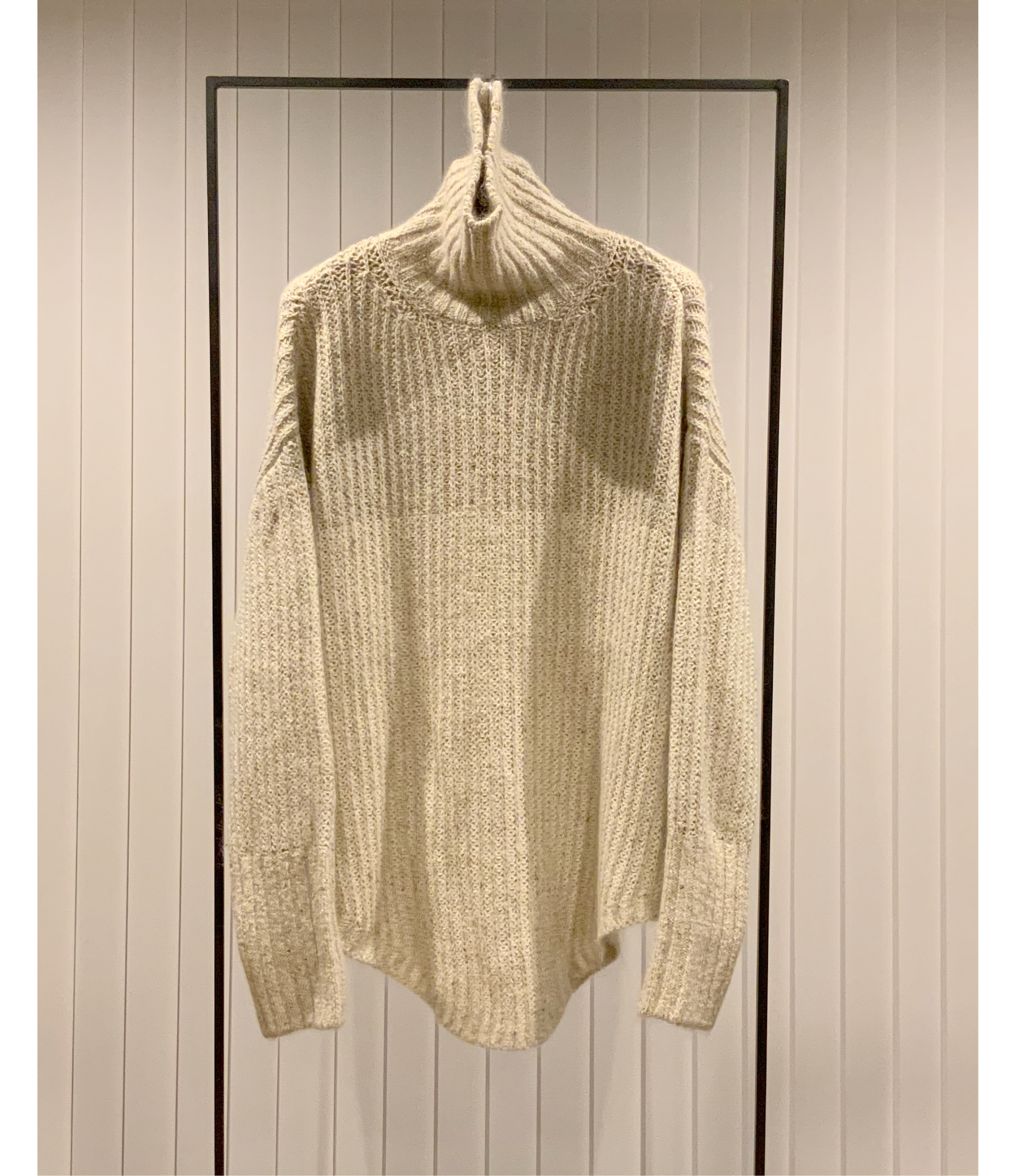 2-Toned High-neck Sweater / Ivory