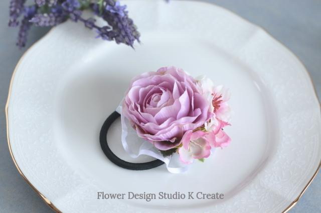 ピンクのラナンキュラスと桜のヘアゴム サクラ さくら お花 ヘアゴム 髪飾り お出掛け ヘアアクセサリー