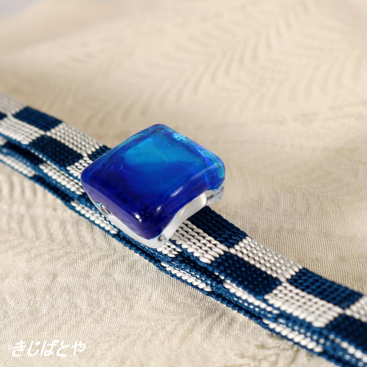 正絹 市松の三分紐ガラスの帯留めつき アクアリウム