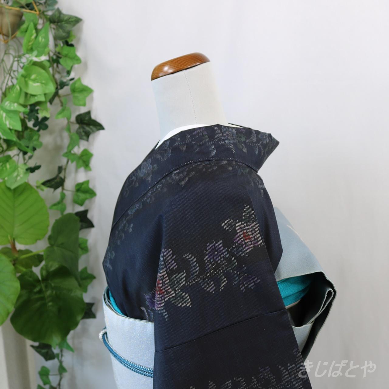 本場大島紬 黒地に花 袷