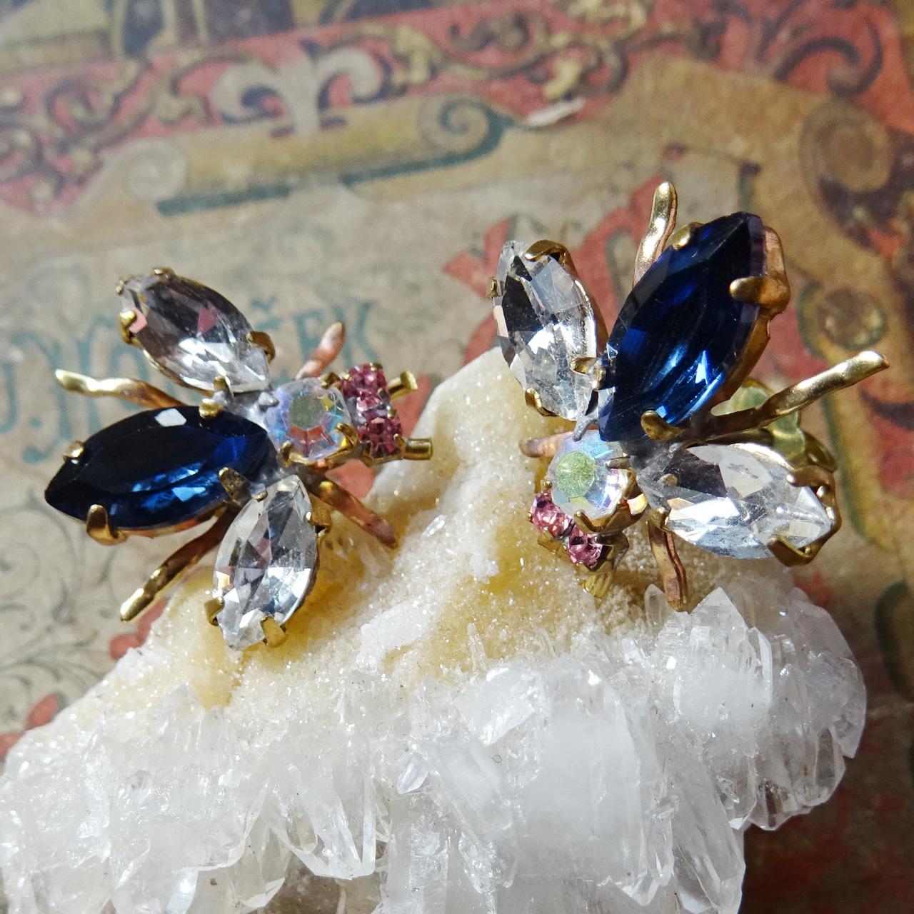 チェコガラス ビジューの虫ピアス / ブルー