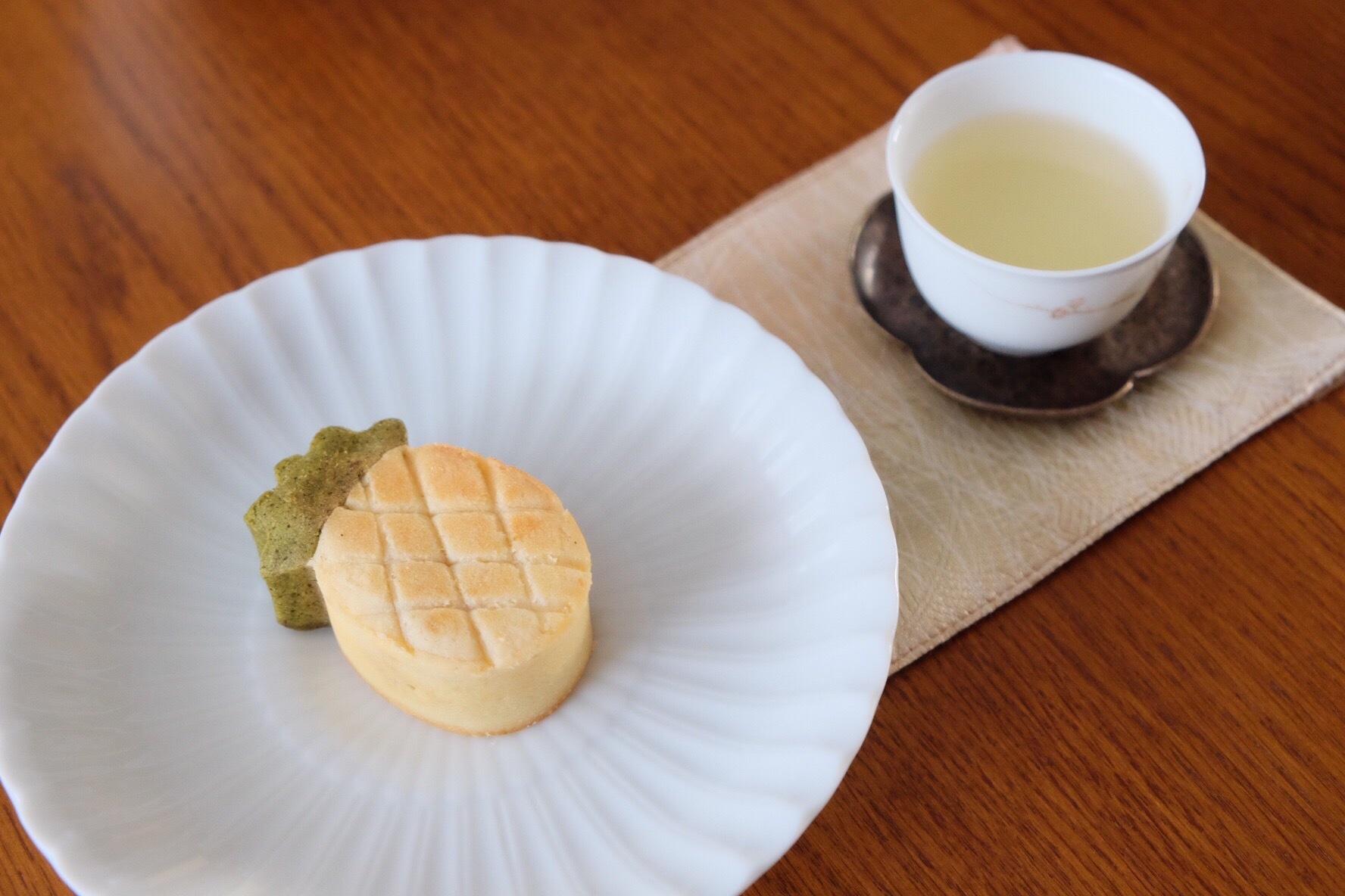 蓮月庭パイナップルケーキ 日月潭紅茶葉入り