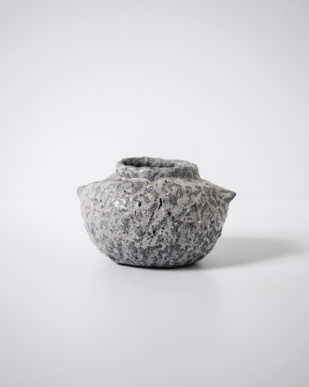 小黒ちはる / トリ 土器 (薪窯焼成)